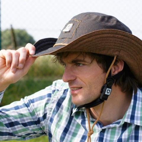 Neuer Western Hut Helm