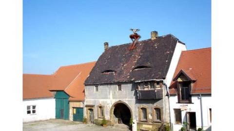 Storchennest auf dem Torhaus