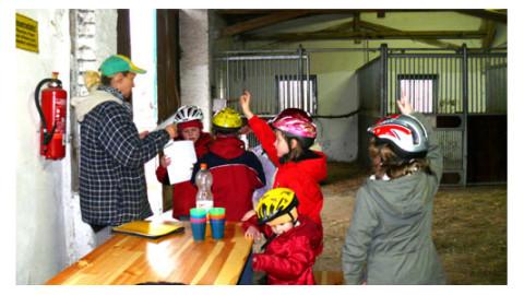 Geburtstag feiern mit Ponyreiten