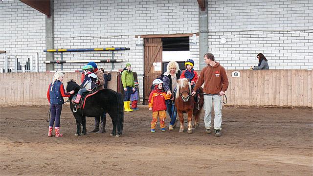 20090328-kindergeburtstag-reiten-005