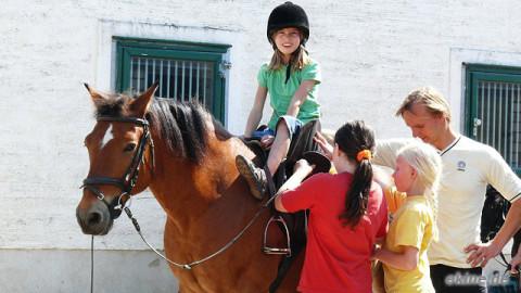 Pony reiten – Geburtstags Fotos