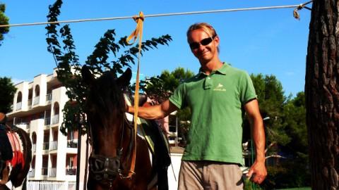Pferdefluesterer entdeckt neue Horizonte