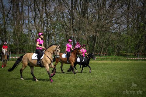 Mounted Games Saisoneröffnung auf der Trabrennbahn